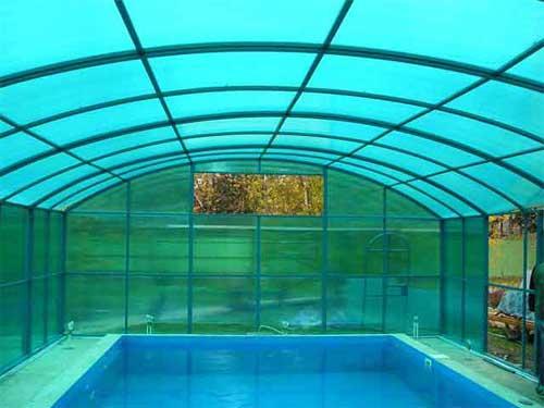 Поликарбонат – как альтернатива пленке и стеклу в строительстве теплиц